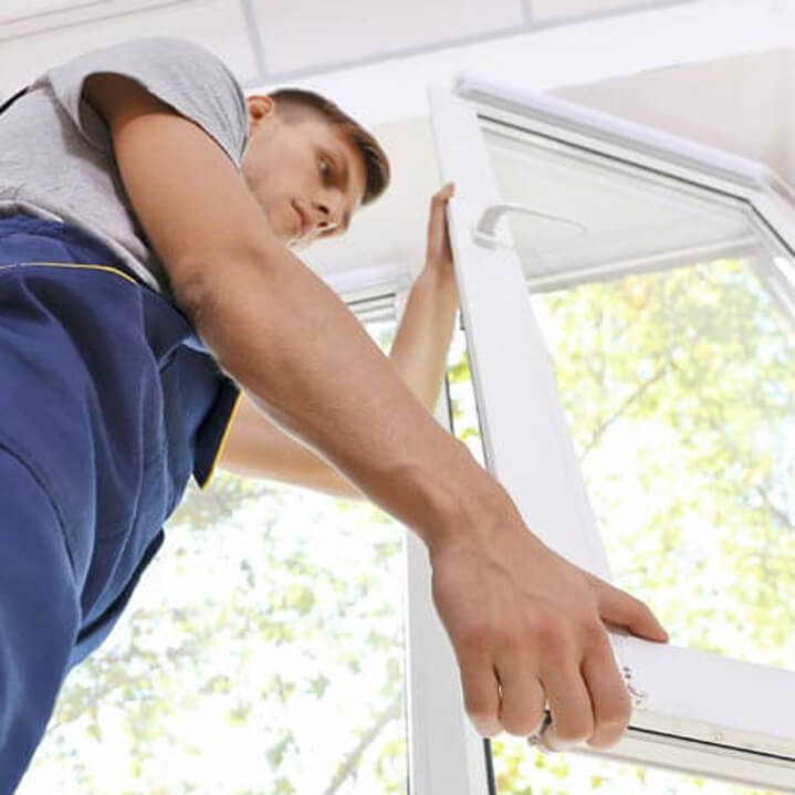 window fitter
